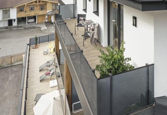 Sky Loft Silber – Balkon ostseitig